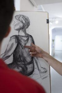Rysunek, rysunek modela, kurs rysunku, postać, rysunek postaci, papier, węgiel, art form studio